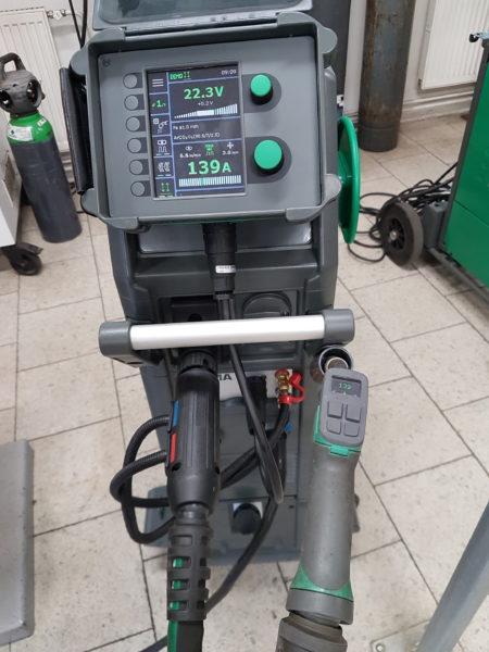 Univerzální ovládání parametrů ze svařovacích hořáků Migatronic
